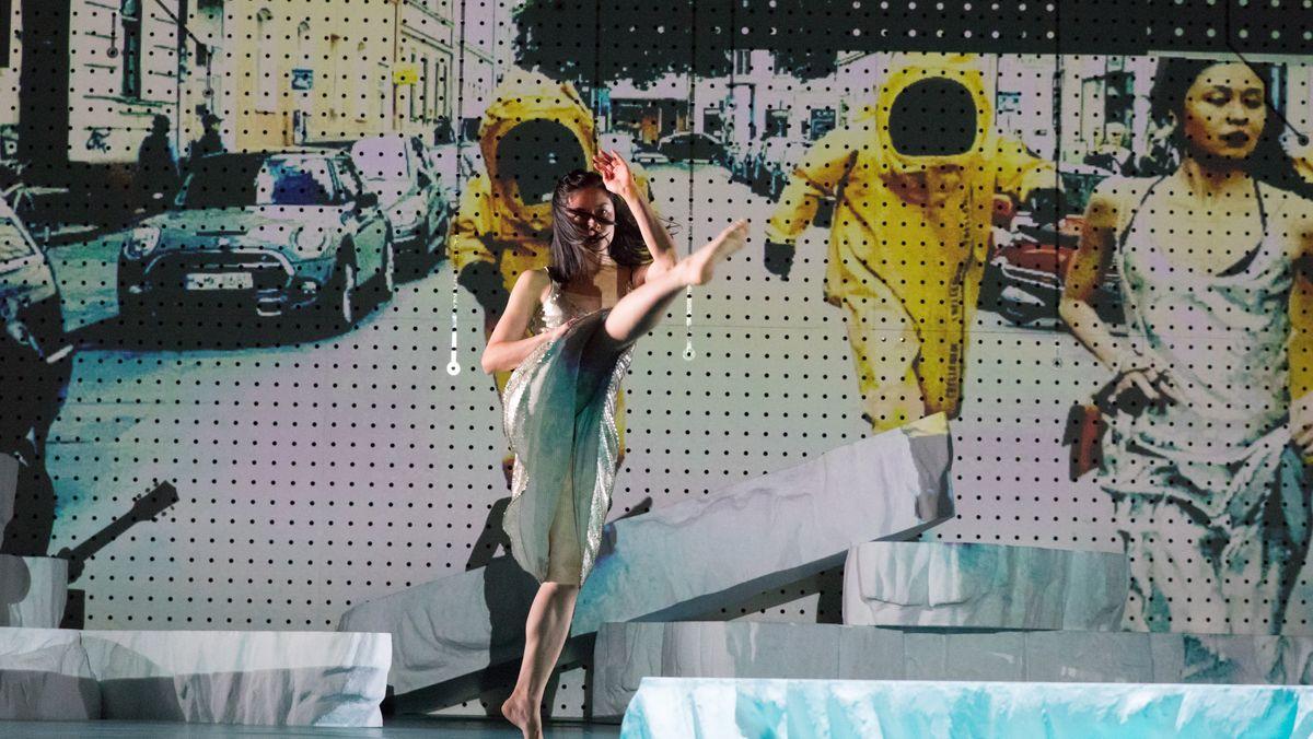 """Szene aus """"Touch"""" von Falk Richter und Anouk van Dijk an den Münchner Kammerspielen"""