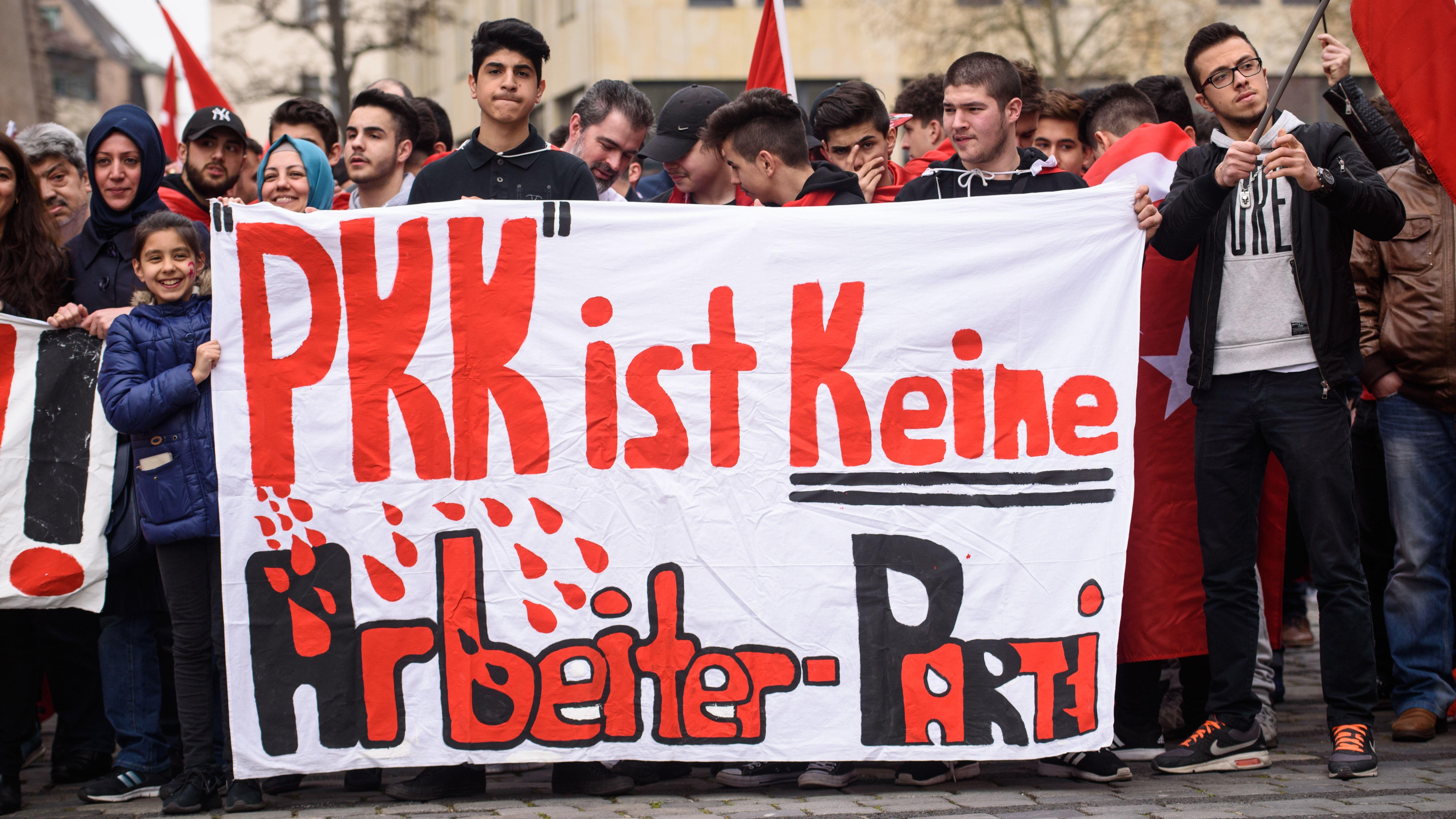 Es ist nicht das erste Mal, dass Türken und Kurden in Nürnberg auf die Straße gehen. Dieses Foto stammt von einer Demonstration im April 2016.