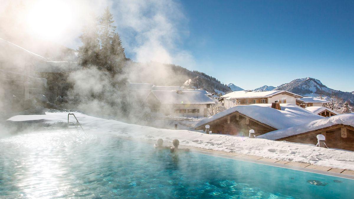 Pool im Panoramahotel Oberjoch