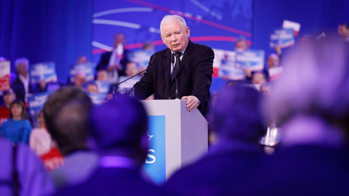 Jaroslaw Kaczynski, Vorsitzende der PiS-Partei, spricht während einer Wahlkampfveranstaltung.