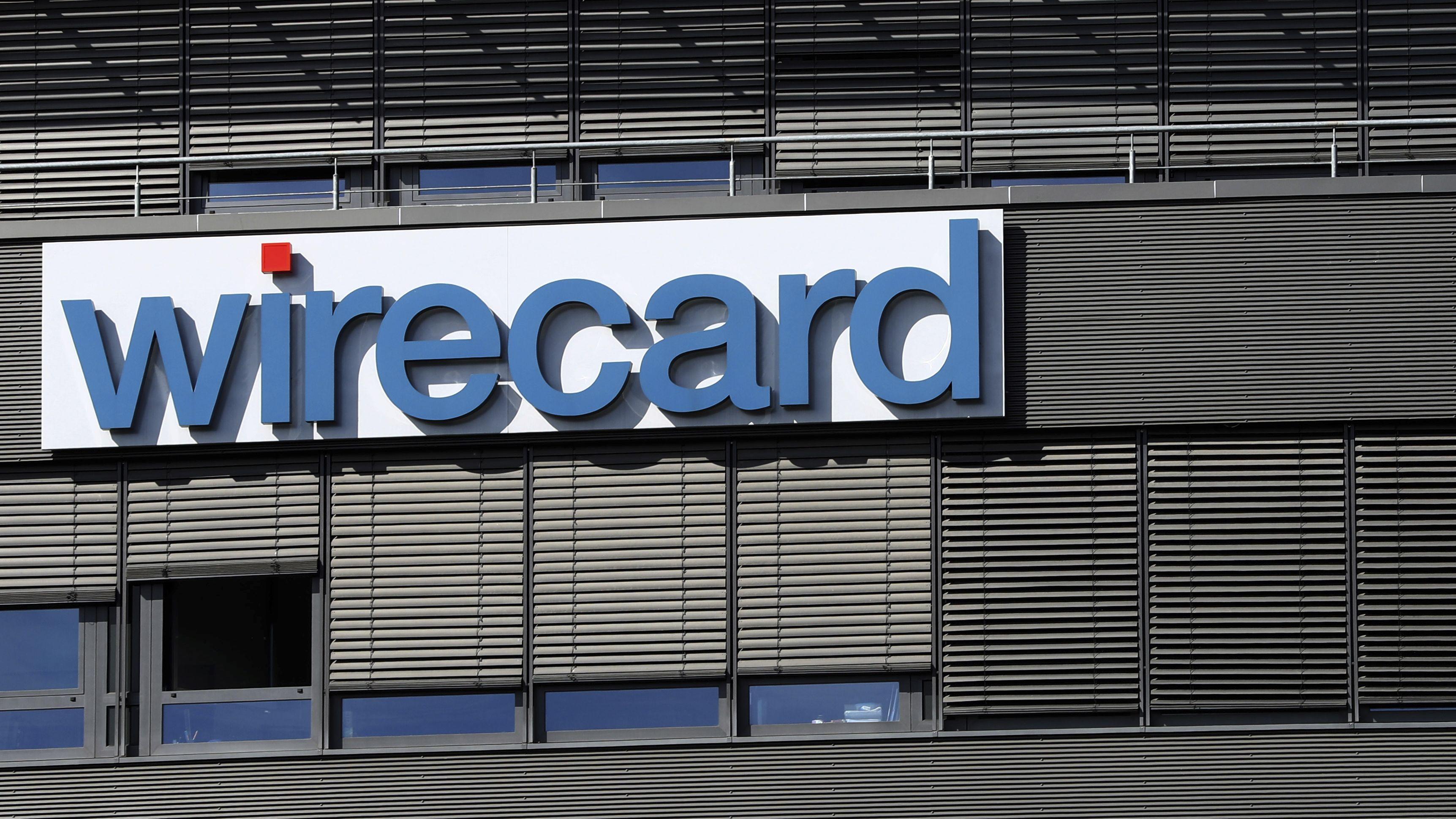 Der Schriftzug des Zahlungsdienstleisters Wirecard in Aschheim bei München an der Fassade der Firmenzentrale.
