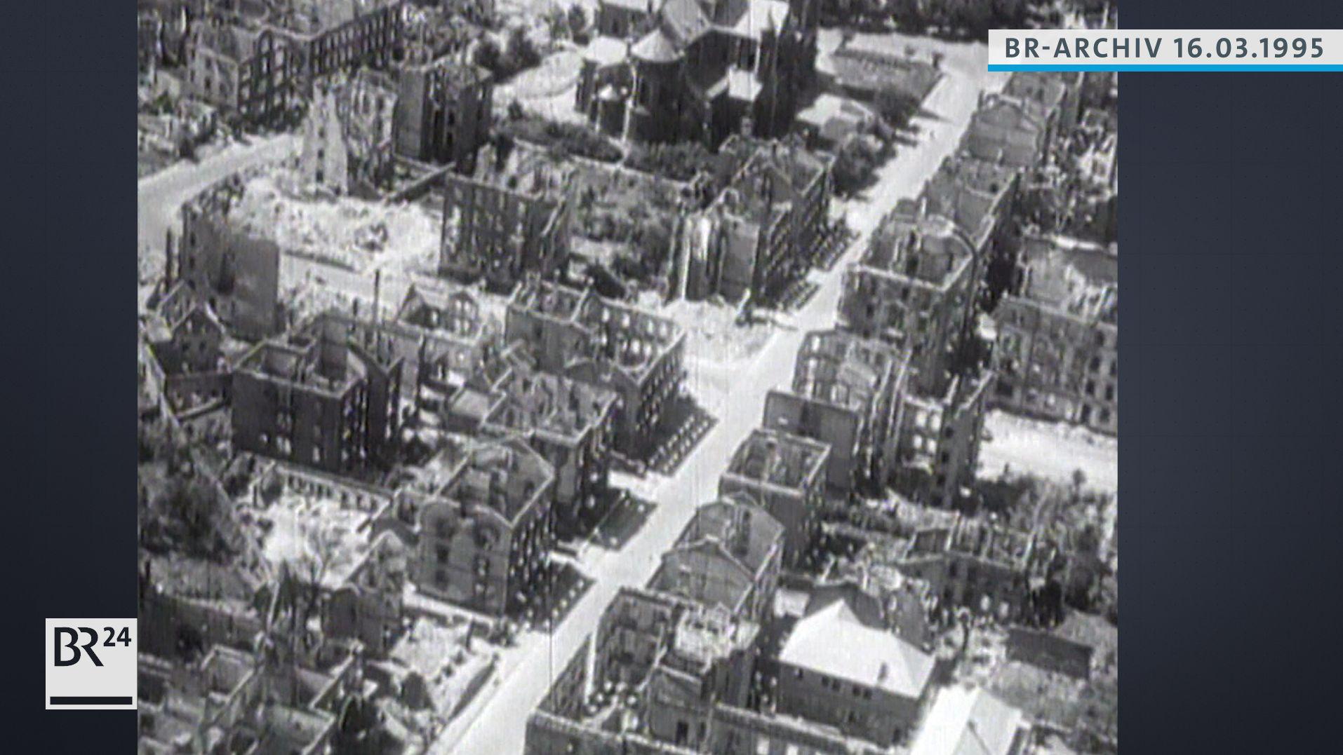 Luftaufnahme zerstörtes Würzburg