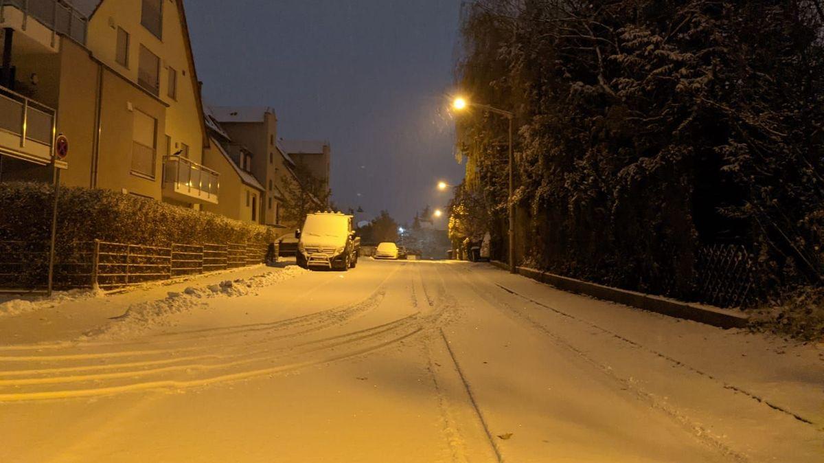 Erster Schnee im Winter 2020 in Stein bei Nürnberg