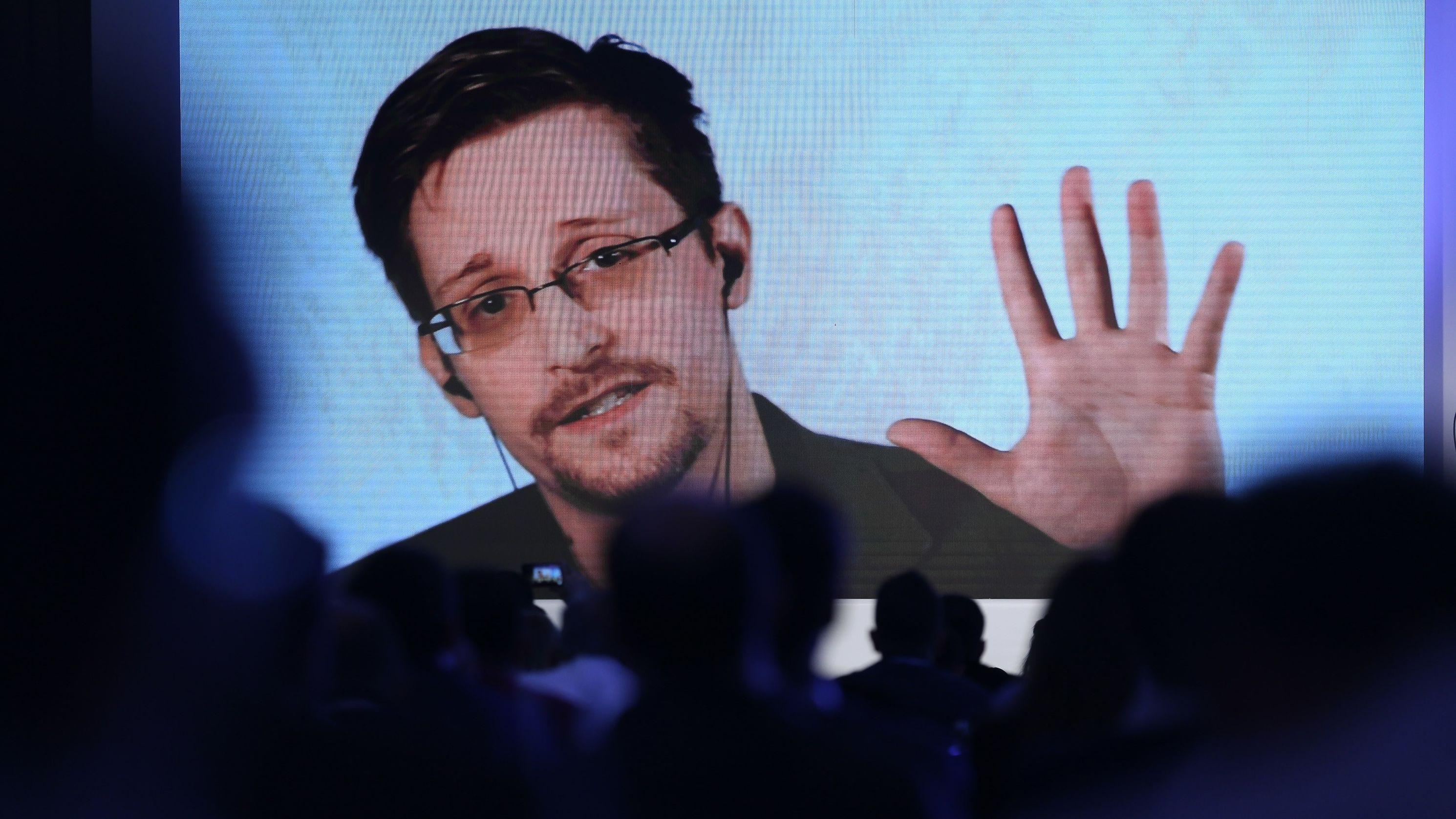 Edward Snowden 2017 bei einer Videokonferenz