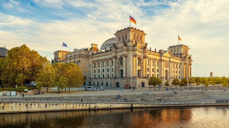 Blick auf den Bundestag   Bild:pa/Zoonar/frank peters
