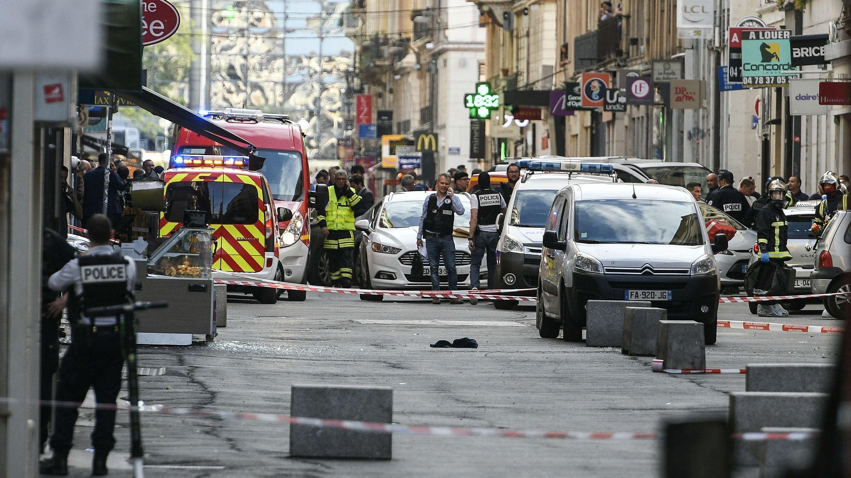 Ermittlungen nach der Explosion in Lyon.