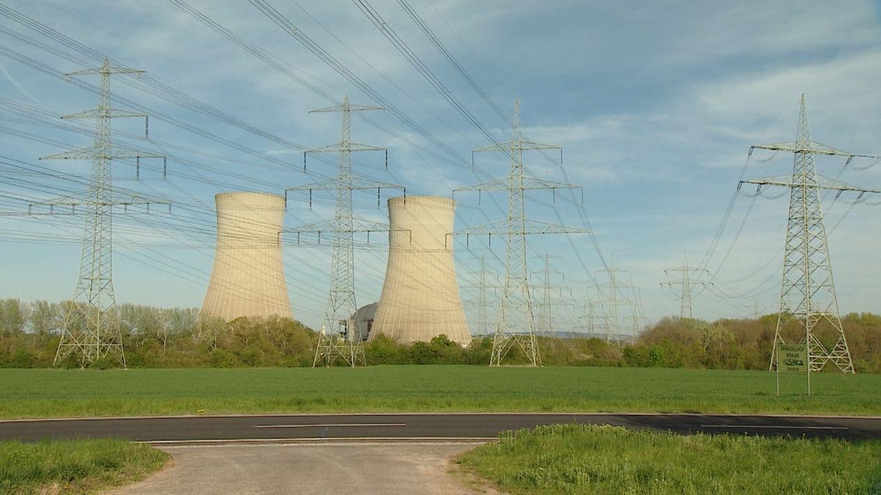 Stromleitungen bei Grafenrheinfeld
