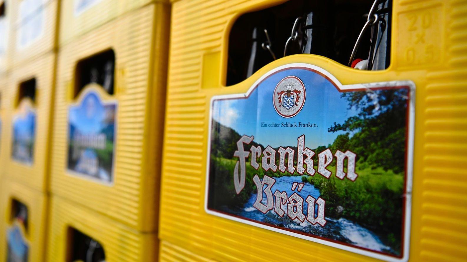 Kästen der Brauerei Franken Bräu