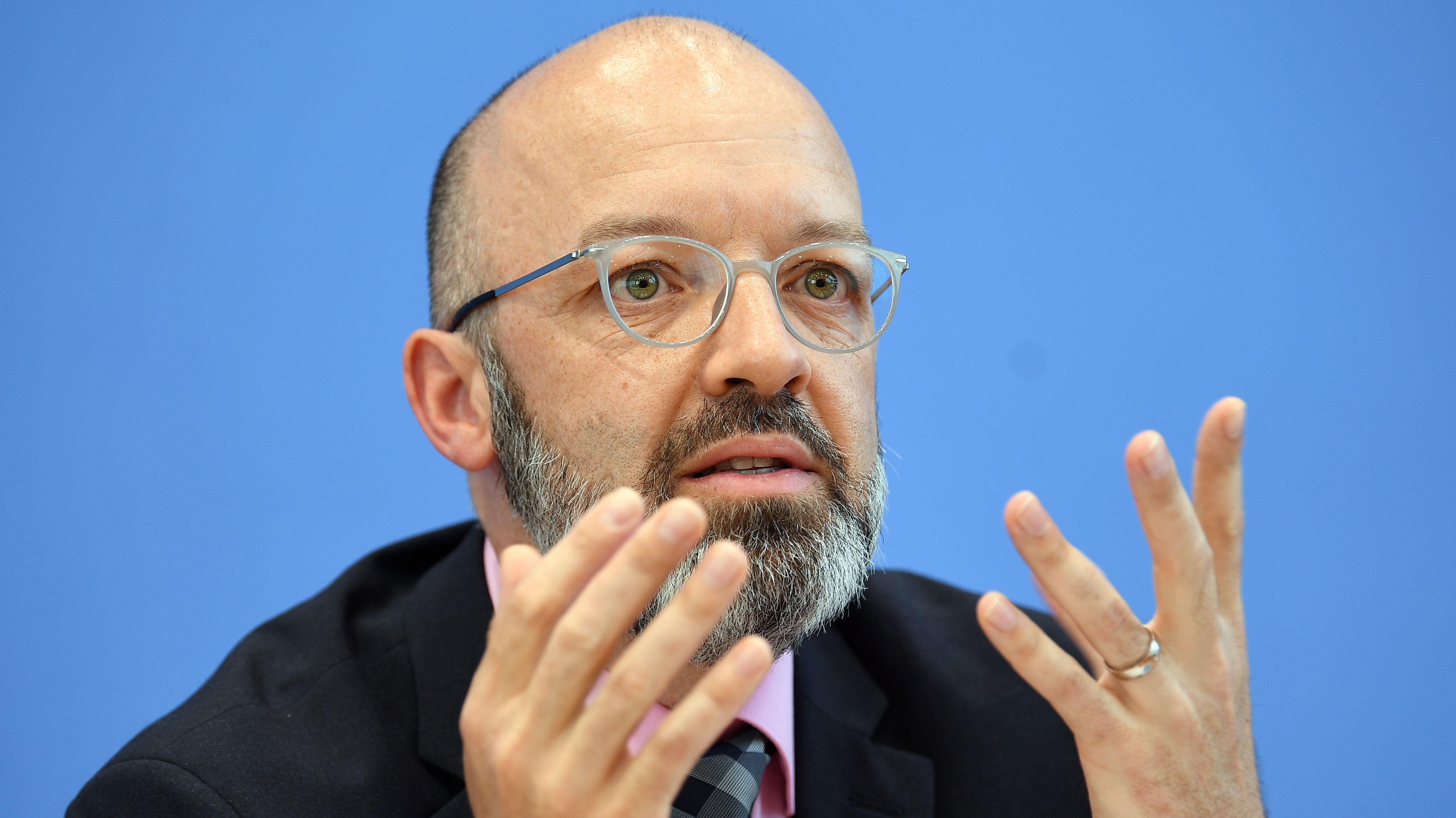 Timo Wollmershäuser, vom ifo Leibniz-Institut für Wirtschaftsforschung an der Universität München e. V.