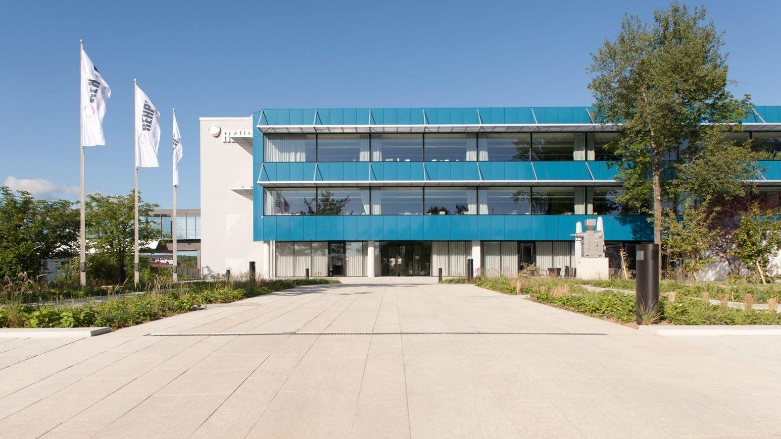 Ansicht des Verwaltungsstandortes der Rehau AG