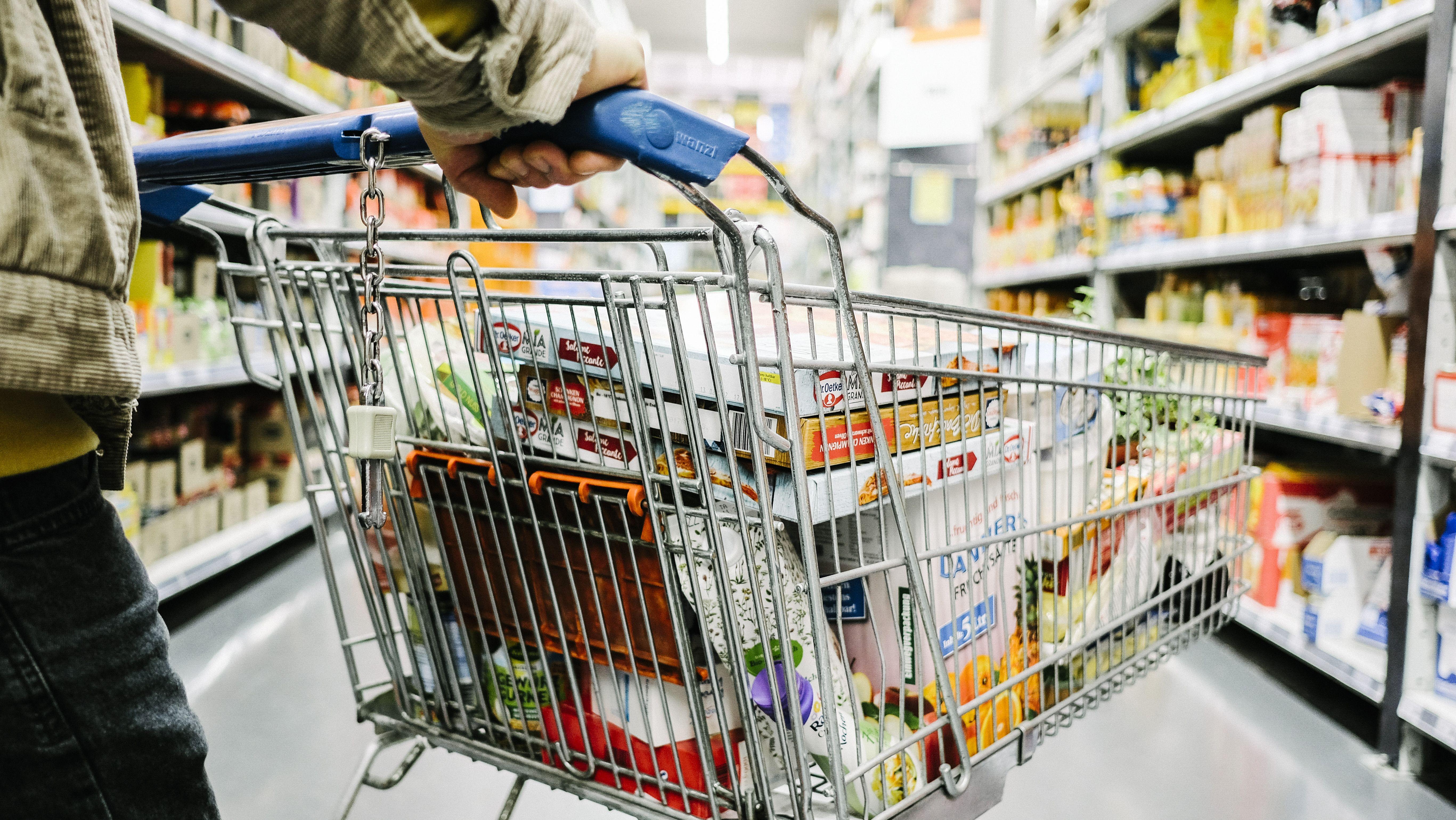 Die Siegel, mit denen Hersteller für regionale Produkte werben, verwirren oft und dienen manchmal ganz bewusst der Verbrauchertäuschung.