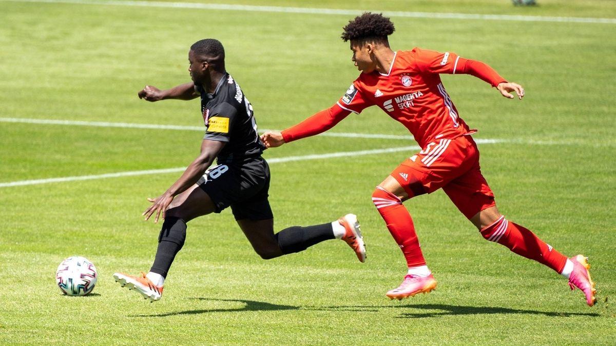 FC Bayern München II - Hallescher FC