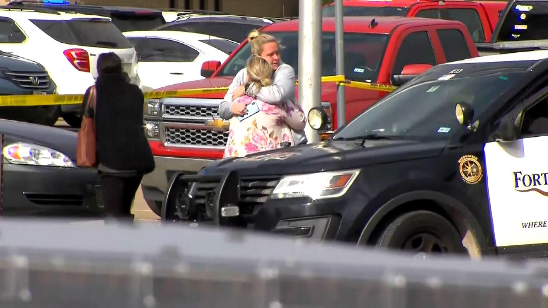 Trauer nach den Schüssen in einer Kirche in Texas.