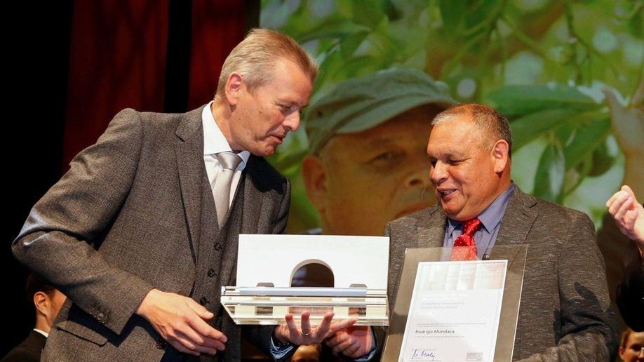 Nürnberger Menschenrechtspreis Verleihung: Nürnbergs OB Ulrich Maly, Menschenrechtspreisträger Rodrigo Mundaca und Laudatorin Anne Brasseur