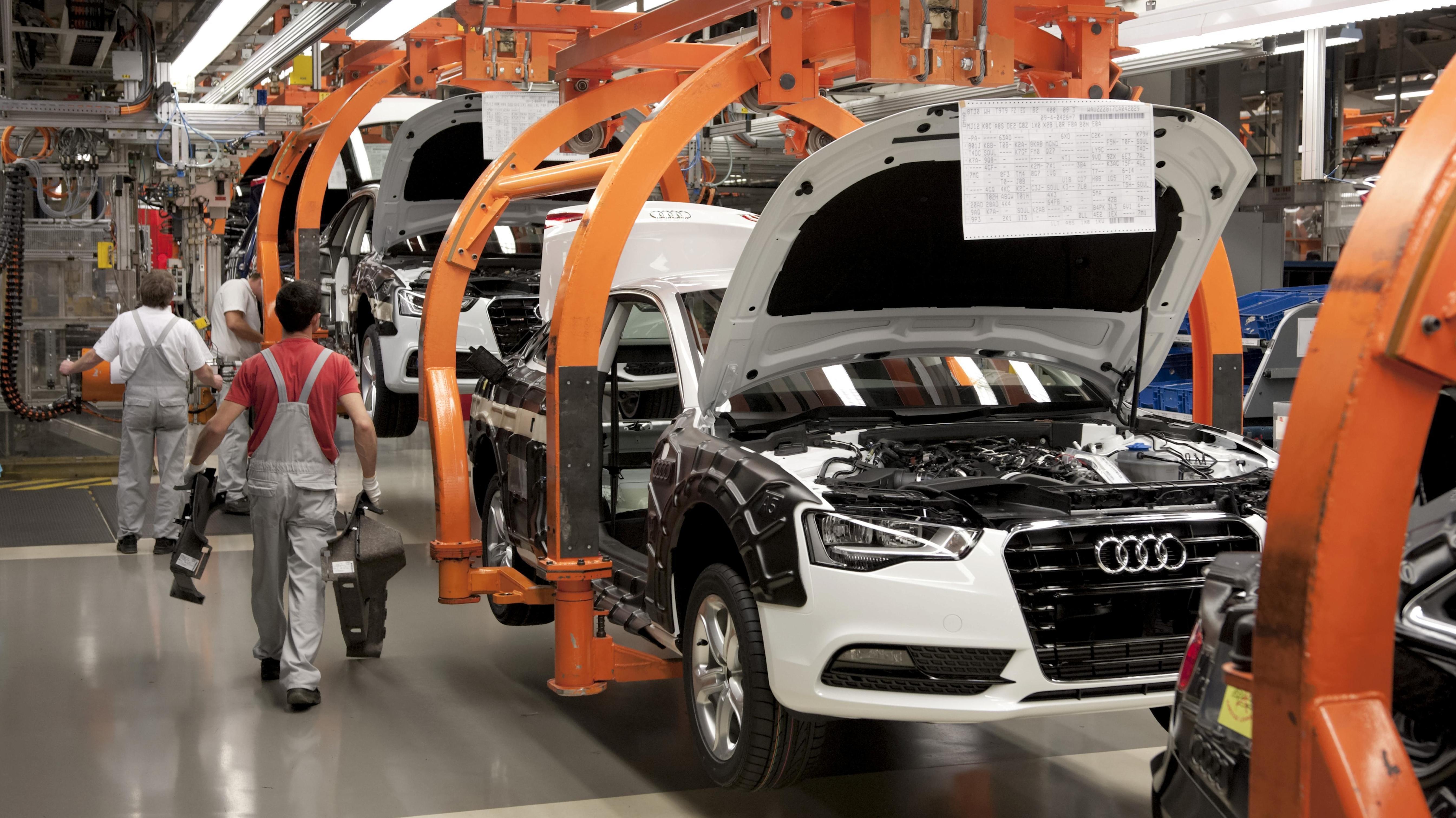 Fertigungsstraße für Limousinen im Audi-Werk Ingolstadt.