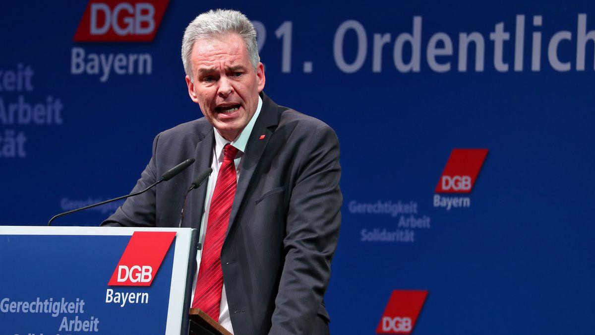 Der bayerische DGB-Chef Matthias Jena am 26.1.2018 in Regensburg.