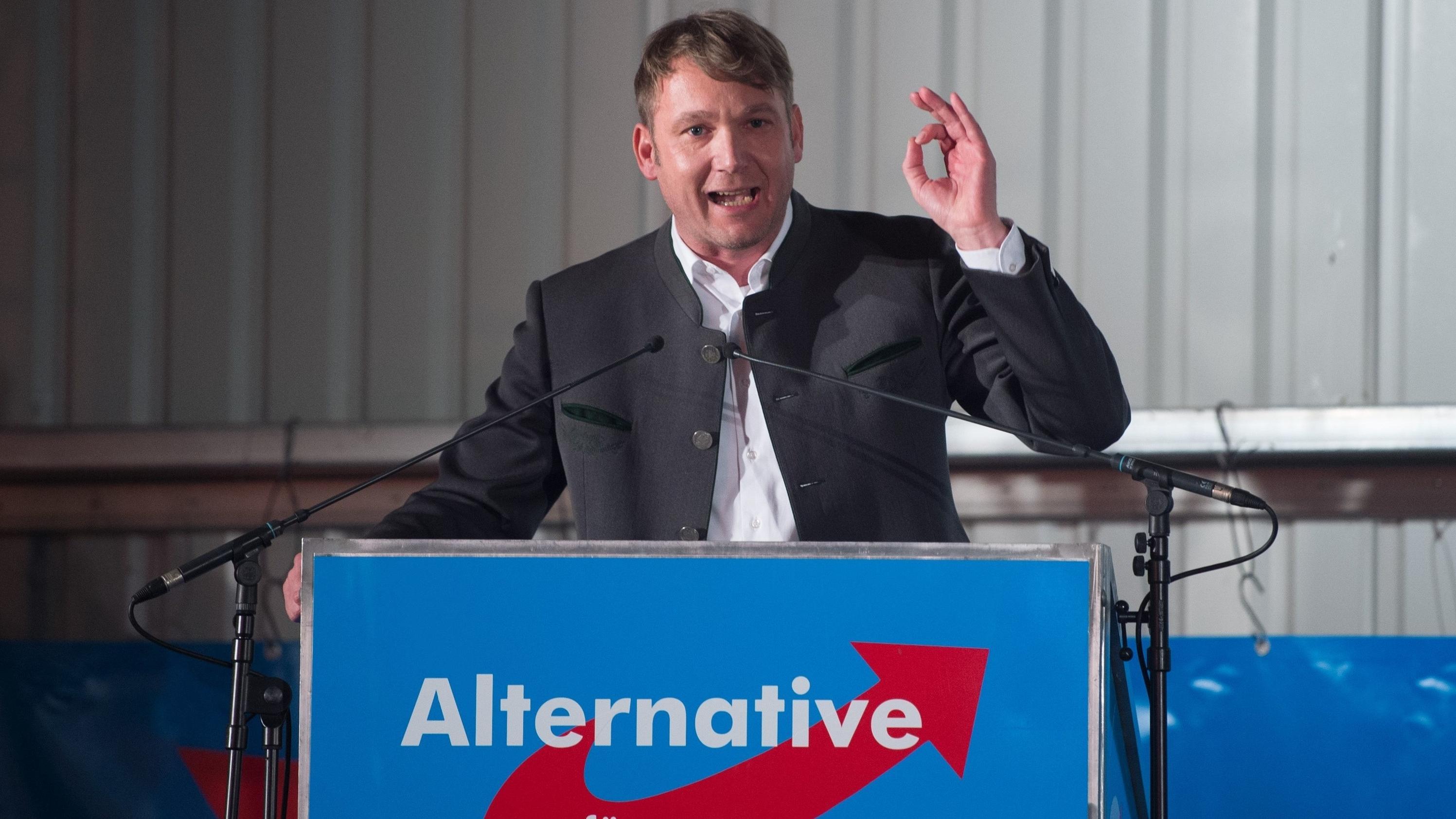 André Poggenburg, damaliger Vorsitzender der AfD in Sachsen-Anhalt, spricht auf dem politischen Aschermittwoch der sächsischen AfD.