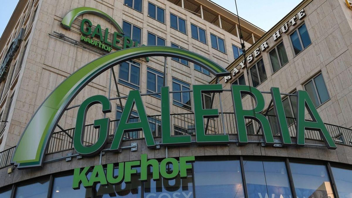 Fassade der Filiale von Galeria-Karstadt-Kaufhof in München am Karlsplatz / Stachus
