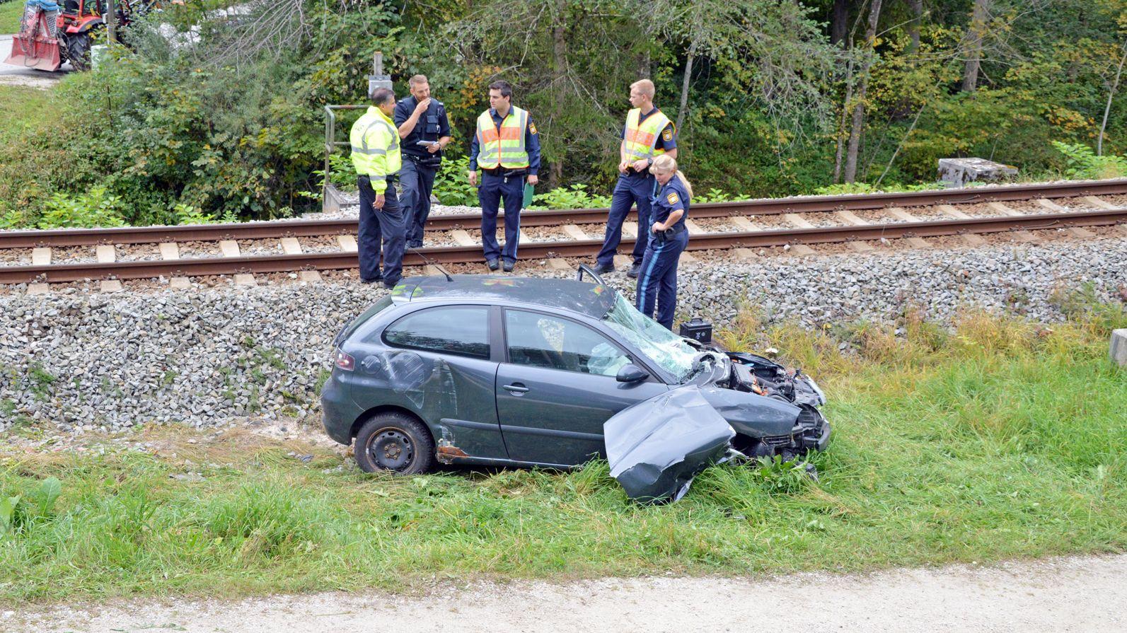 Autounfall an Bahnübergang
