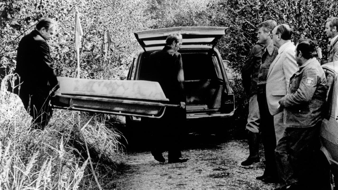 Archiv: Leiche von Ursula Herrmann wird abtransportiert
