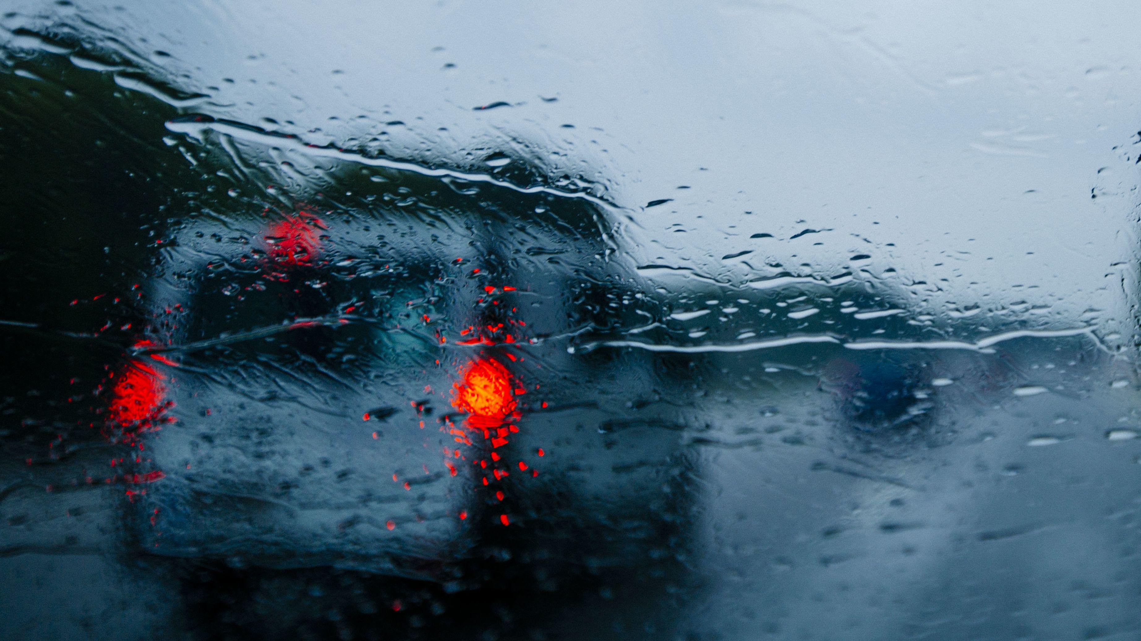 Auf der Autobahn bei Regen (Symbolbild).