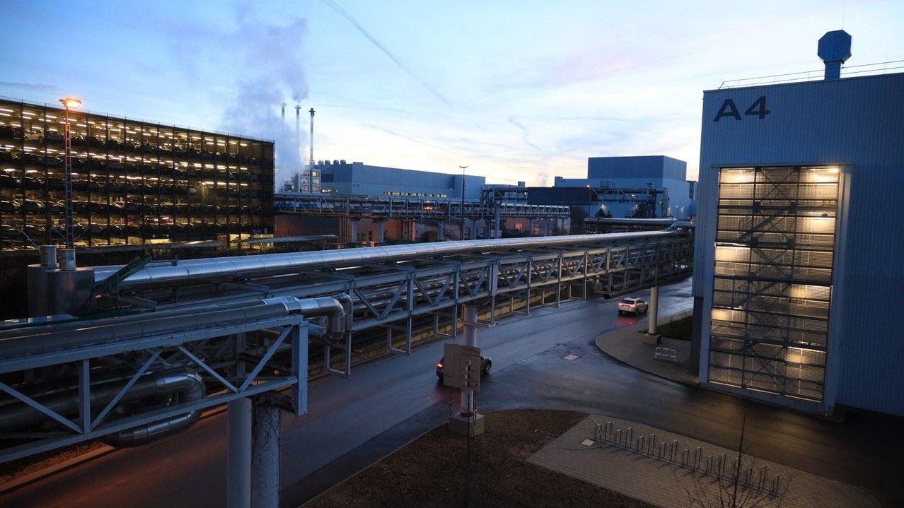 Bahnhalt am Audi Werk