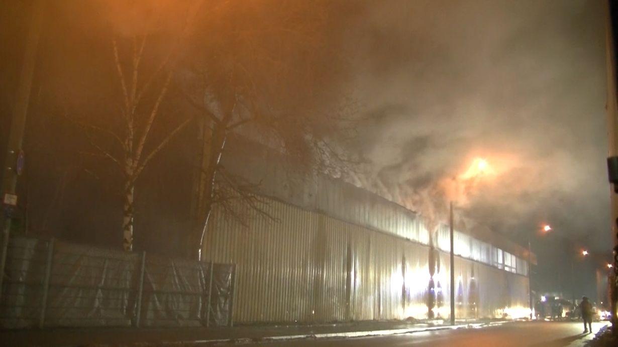 Lagerhallenbrand in Nürnberg