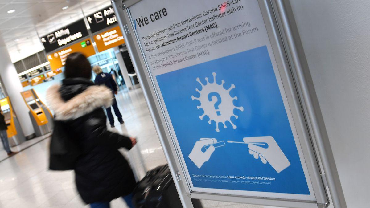 Hinweis auf Corona-Test am Flughafen München