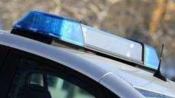 Blaulicht auf einem Polizeiauto | Bild:picture-alliance/dpa